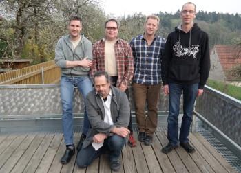 Marcus Mitwollen (1. Vorstand), Thomas Schmitt (2. Vorsitzender), Matthias Fischer (Schatzmeister), Ingo Klug (Beisitzer) [oben, von links nach rechts], Andreas Bock (Beisitzer) [von links nach rechts]