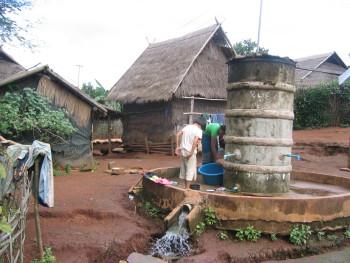 Waschtag im Kong Jor Camp
